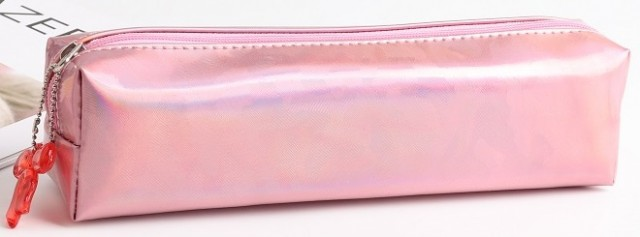 Пенал, розмір  19х4х6 см,  м'який  на блискавці з одним відділенням. Матеріал:  поліестер  дизайн - YM 8398 рожевий