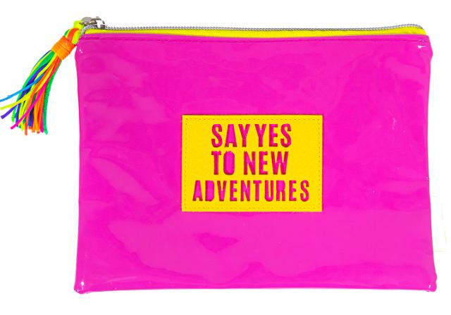 Папка шкільна, 21х15 см, формат А5 +, м'яка на блискавки на одне відділення.  Матеріал: поліуретан , дизайн - WB-2016 рожевий